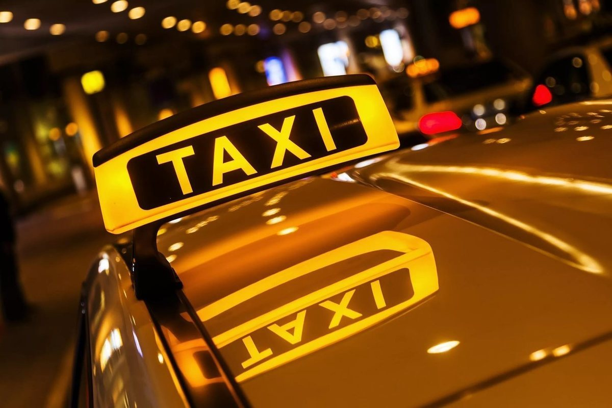 Таксі Сокаль